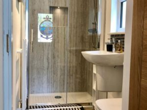 3 Bed Cottage shower room