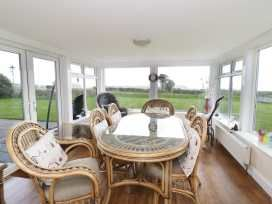 Tan y Foel dining area